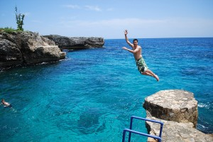 Cliff Jumping Belize